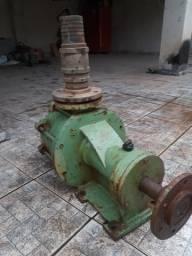 Vendo bomba d'água para motor de 30cv
