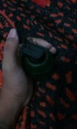 Carregador portátil formato de bomba