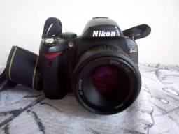 Câmera fotográfica profissional D 40