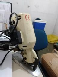 Maquina de corte de disco e mesa de corte