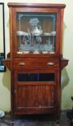 Cristaleira colonial em madeira