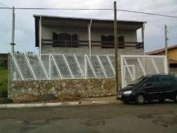 Sobrado com 3 dormitórios à venda, 240 m² por R$ 400.000,00 - Estação - Cafelândia/SP