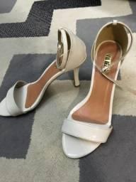 Sandália Branca N*38