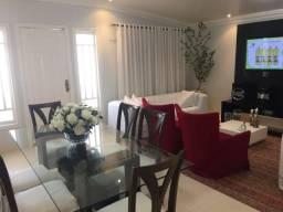 Casa com 4 dormitórios à venda, 220 m2 de área construída