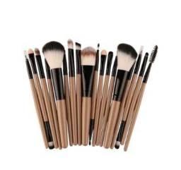 Pinceis de Maquiagem Profissional Kit com18 Peças (varias cores)