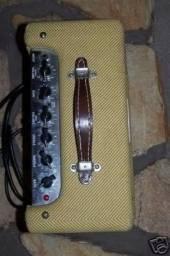 Amplificador Fender Bronco Retrô