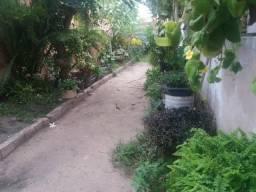 Casa toda murada com quintal