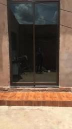 Vendo porta blindex 2.50 altura por 1.50 largura