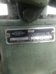 Cabeçote de compressor cabeçote de compressor funcionando