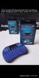 Mini Teclado Portátil LED Wireless com mouse touchpad integrado para TV Box e outros