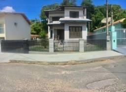Casa de alto padrão no bairro Souza Cruz