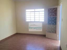 Casa com 2 dormitórios para alugar, 70 m² por R$ 800,00/mês - Vila Mariana - Botucatu/SP
