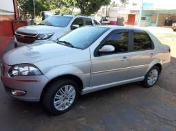Fiat Siena Essence 1.6 Dualogic 11/12 - 2012