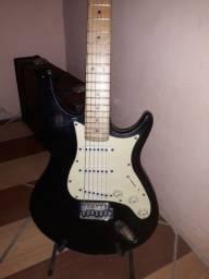Guitarra Stratocaster Behringer
