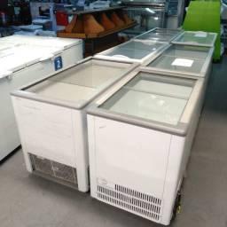 Congelador novo com tampa de vidro