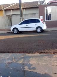 Carro Fiesta 2003 básico 1.0