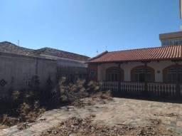 Casa com 3 Quartos para Alugar, 200 m² por R$ 4.900/Mês