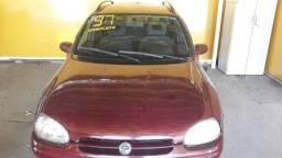 Título do anúncio: Corsa GL 1.6 vermelho 4p. Ar e direção 1997 gasolina manual
