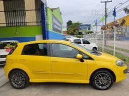 Título do anúncio: Fiat Punto Sporting 1.8, placa A (4.900 entrada + 60x de 899,00)
