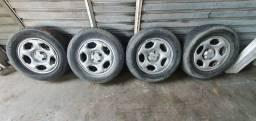 Título do anúncio: Rodas aro 15 ecosport com pneus