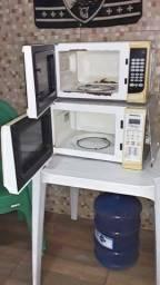 dois microondas para retirada de peças