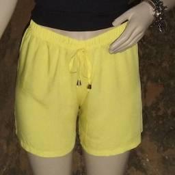Short amarelo viscose soltinho tamanho M