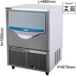 Título do anúncio: R/ Maquina de Gelo 60 KG Macom - SRM60A
