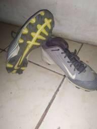 Chuteira da Nike pra campo, compre uma e leve duas R$80