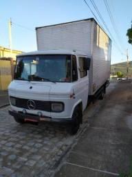 Título do anúncio: Vendo Caminhão Mercedes Benz 608 Com Baú