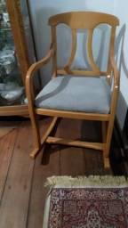 Título do anúncio: Cadeira de Balanço de Madeira