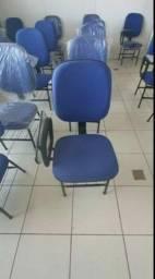 Título do anúncio: (((NOVAS))) Cadeiras de Estudo escamoteável!!!