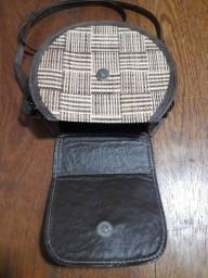 Título do anúncio: Vendo 2 bolsas palha com couro 130 as2