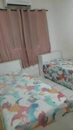 Vendo 2 camas com baú  1 ano de uso