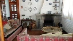 Casa 3 quartos ,mais anexo - Com vaga -Valparaíso-Petrópolis-RJ