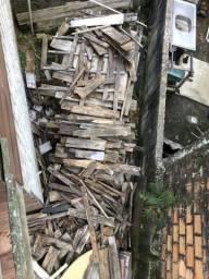 Doação de madeira , lenha