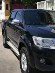 Conheça uma Hilux de quem realmente tem Zêlo por carro - 2012