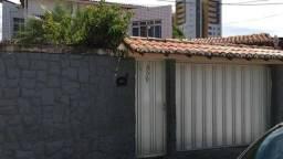 Casa com 312m², sendo 03 suítes, rua da academia Platinum Premium em Lagoa Nova Natal RN