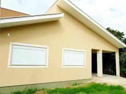 Casa Térrea na Região do Novo Campeche - 3 Dormitórios - 1 Suíte