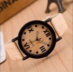 Relógio estilo madeira