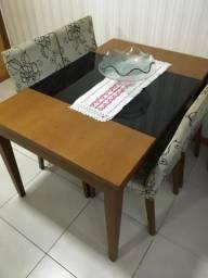 Mesa e aparador