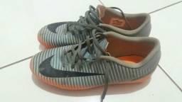 Chuteira Nike campo original tamanho 39 5a764f178ddd7