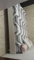 Cama de madeira e pé de alumínio com proteção pra ceramica