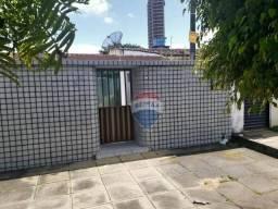 Casa com 3 dormitórios à venda por R$ 800.000 - Heliópolis - Garanhuns/PE