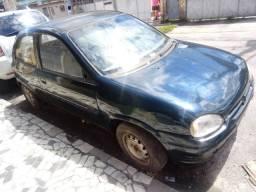 Veículo corsa GM ano 1995