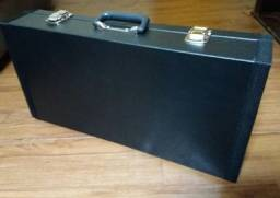 Case pedalboard 55x35x15 + régua 4 tomadas