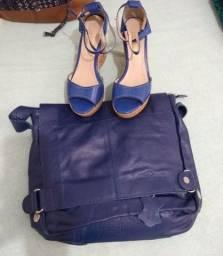 Título do anúncio: Bolsa e sandália de couro , nunca foram usados