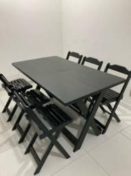 Jogo de mesa  dobrável com 6 cadeiras