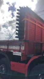 Vendo Carroceria 9 metros para caminhão Bitruck