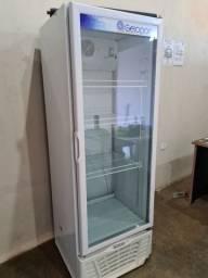 Freezer expositor semi novo muito bom conservado