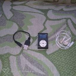 Vendo um mini mp3 com rádio FM com carregado